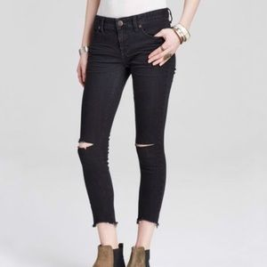 Free People Skinny Destroyed Crop Jeans | Size 28